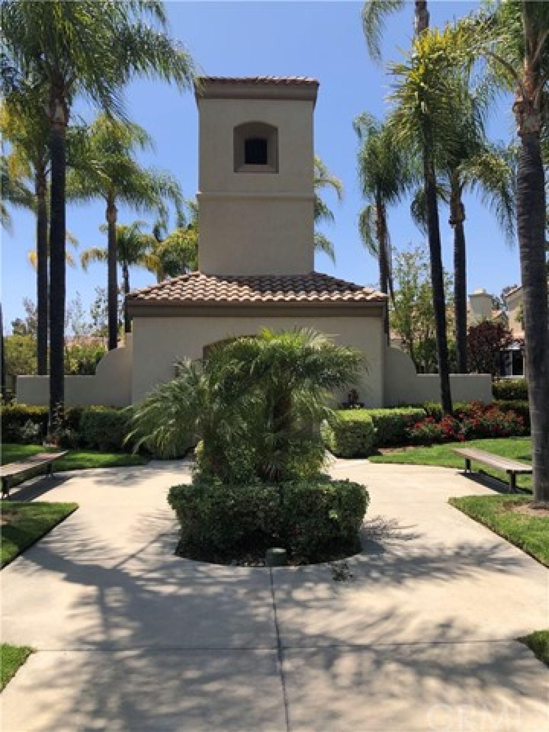 24 Calle Del Sur, Rancho Santa Margarita CA: